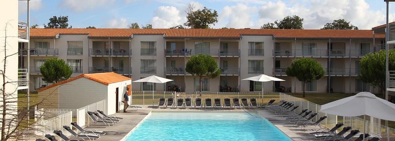 Résidence Le Domaine du Château - Vacancéole - Lagord - Appartement avec terrasse ou balcon